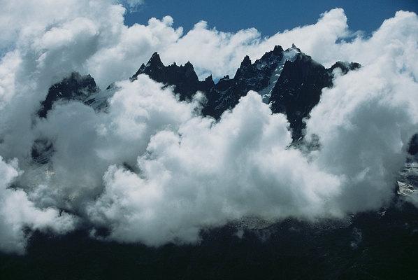 fotografie - Ostrovy v oblacích